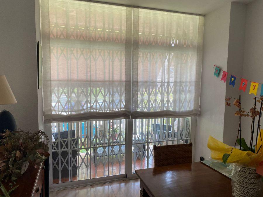 Cortinas pacchetto instaladas ensalon de vivienda de Barcelona