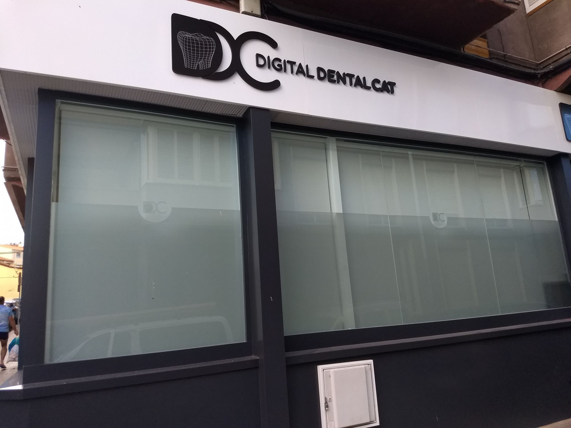 Corinas enrollables para clinica dental en Barcelona