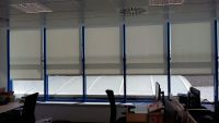 Cortinas erollables en oficina, 5 ventanas