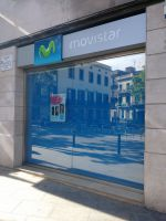Cortina enrollable para tienda Movistar en Badalona